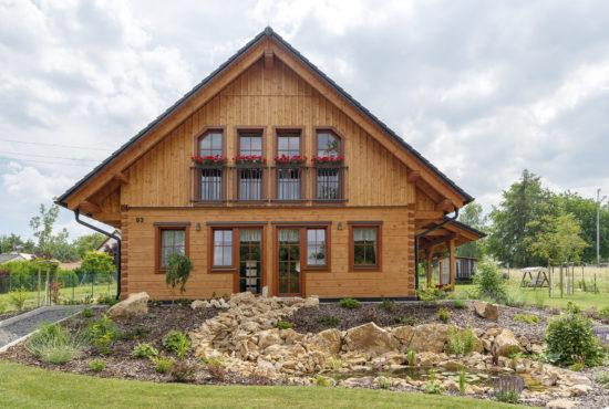 Montované moderní dřevostavby – roubenky a poloroubenky
