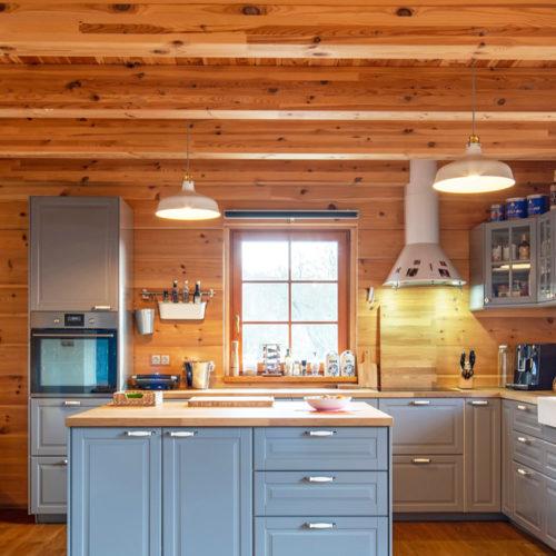 Jak se bydlí v dřevěné roubence