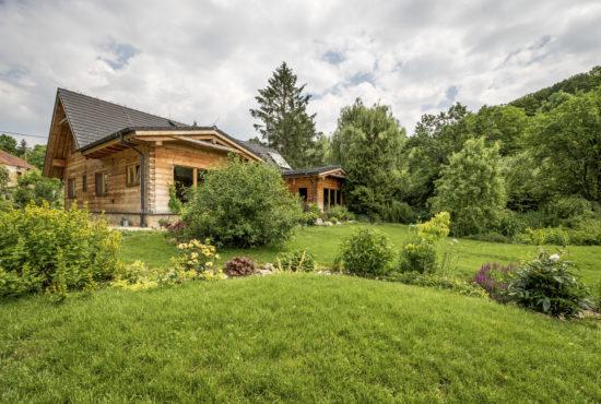 Chci dům, který dýchá jako já, dům, který vytvořila příroda ze slunce a vody